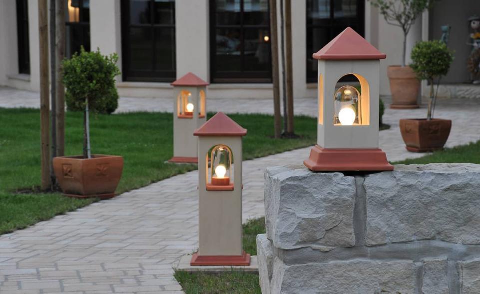 Lichthaus hoch hellbeige