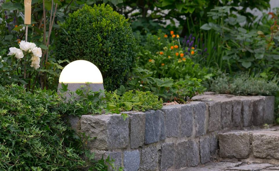 luxor granicium mit eingebauter steckdose denk keramik. Black Bedroom Furniture Sets. Home Design Ideas