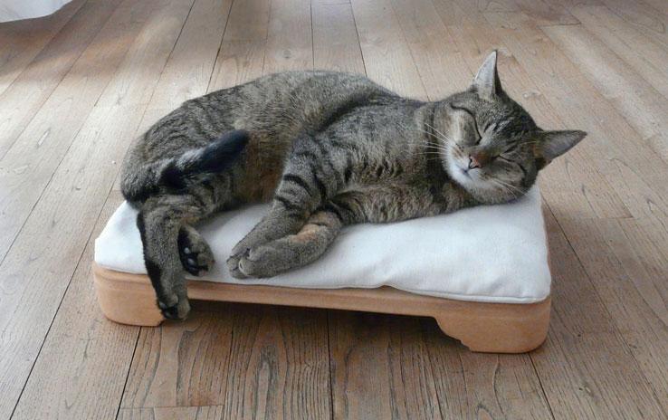 minkas kachelofen das elektrisch beheizte katzenbett denk. Black Bedroom Furniture Sets. Home Design Ideas